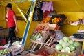 Fotografia: Na trhovisku, Zakarpatská Ukrajina, Jasinja, fotograf: Juraj Štefanovič, tagy: ľudia, obce