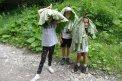 Fotografia: Lopúchové klobúky, fotograf: Lýdia Šimková, tagy: lopúch, príroda, deti