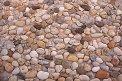 Fotografia: zaujímavé drobné kamienky, fotograf: Lýdia Šimková, tagy: kamienky, rôznorodosť, zaujímavosť