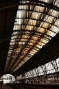Fotografia: Trains (2013), fotograf: Marek Večeřa, tagy: vlak, strecha, sklo