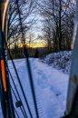 Fotografia: K západu na dvoch kolesách., fotograf: Jakub Manina, tagy: #bike#snow#winter#sunset#moment